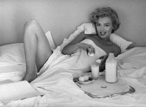 breakfast-in-bed-1953-andre-de-dienes